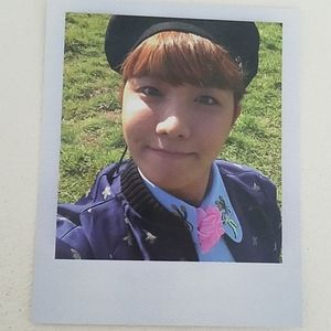 OFFICIAL J-Hope Young Forever photocard